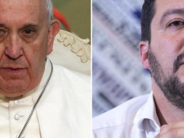 Il Ministro dell'Interno contro Papa Francesco: 'I morti in mare sono diminuiti'