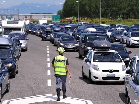 Fine settimana da bollino nero in autostrada: usare viabilit? ordinaria