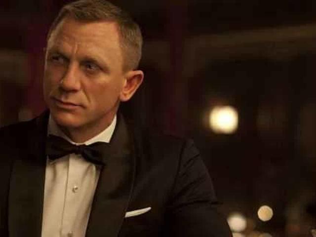 Bond 25: un misterioso villain mascherato nelle nuove foto e video dal set