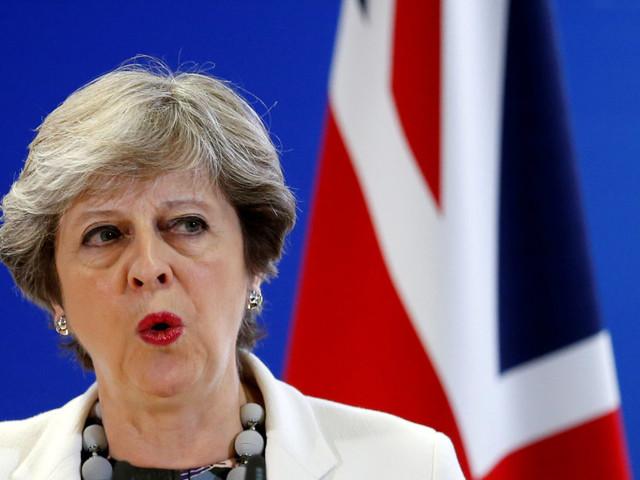 """L'Ue chiede a Londra di alzare il conto del divorzio. Merkel-Macron: """"Sta alla May fare passi avanti"""""""