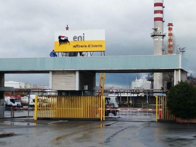 La raffineria di Livorno gestirà 200mila tonnellate di rifiuti urbani l'anno