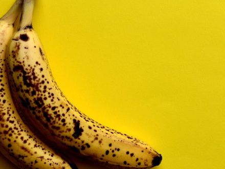 No, le banane mature non curano il cancro. Ma la bufala continua a tornare sui social. Il mito sfatato degli esperti della Fnomceo