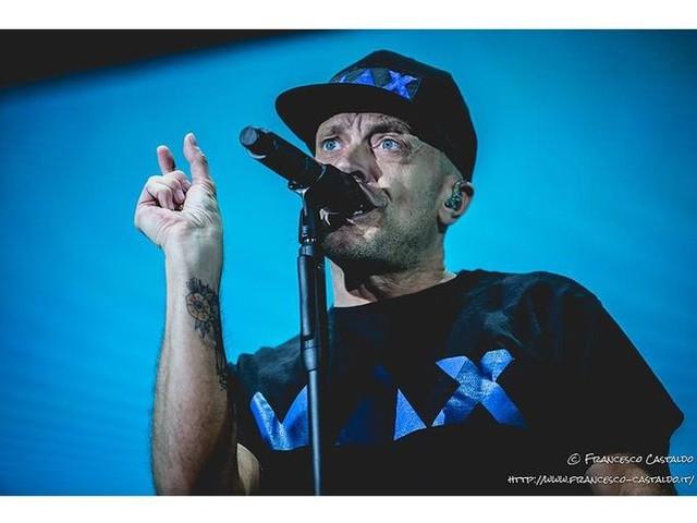 """Max Pezzali: esce l'album """"Le canzoni alla radio"""" - TRACKLIST/COPERTINA"""