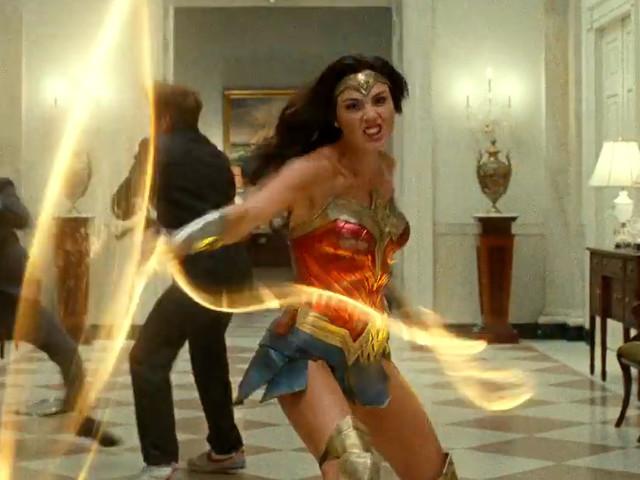 Wonder Woman 1984: Diana Prince entra in azione nell'esplosivo teaser!