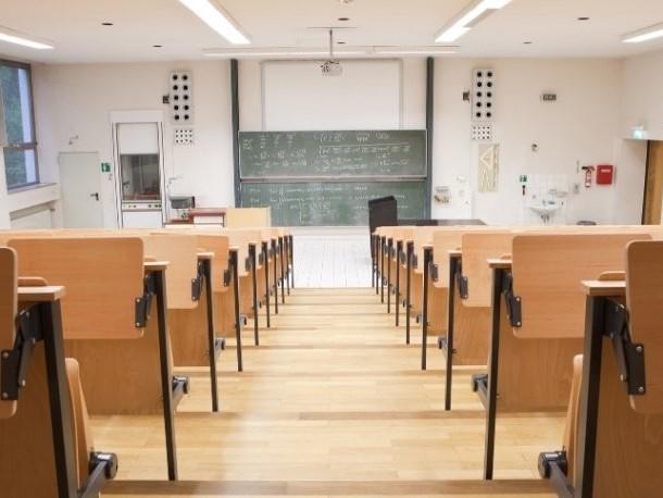 Università: le lauree in Odontoiatria, Farmacia e Psicologia diventeranno abilitanti