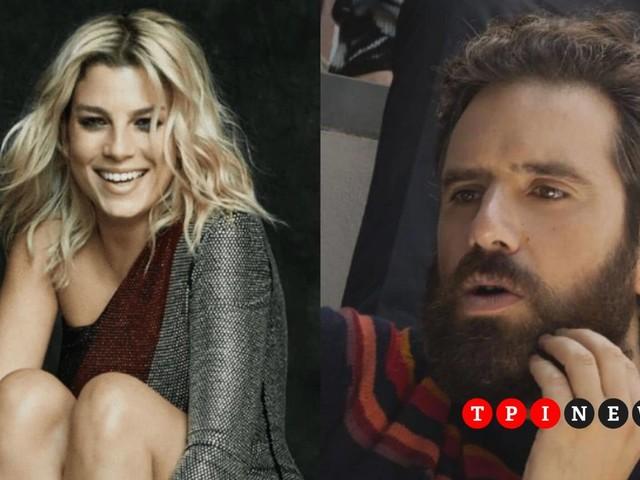 "Sorpresa Tommaso Paradiso e Emma Marrone: cantano insieme ""Non avere paura"" a Milano | VIDEO"