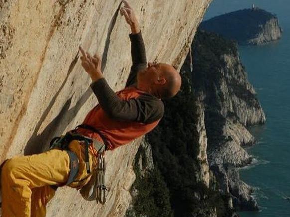 La piccola community di scalatori che ha battuto il gigante Facebook