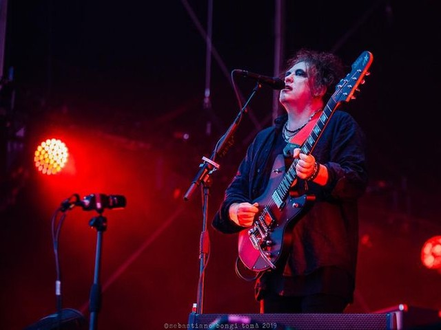 Cure: guarda il video live di 'Disintegration' al Meltdown Festival di Londra