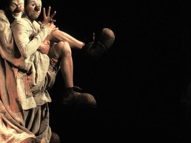 """Ecco """"l'Isola delle meraviglie"""" a Dolo: all'evento la cultura yiddish di Ovadia, le acrobazie africane e i clown del Belgio"""
