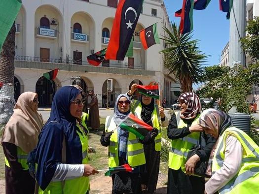 Gilet gialli libici, 'Macron dittatore'