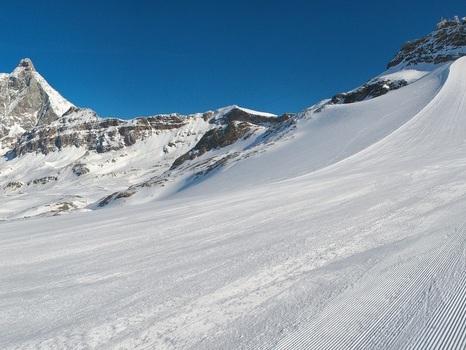 Al via neve artificiale stazioni sci in Valle d'Aosta
