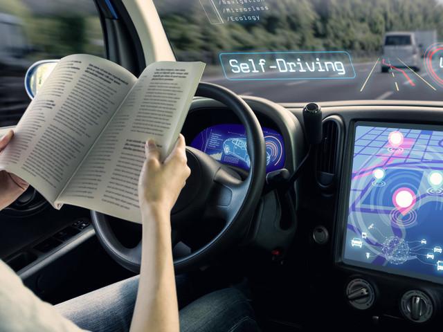 Auto a guida semiautonoma, le compagnie assicurative non fanno sconti
