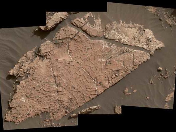 Scoperte dal Mars Rover Curiosity tracce di antichissimi stagni salati sul fondo del cratere Gale su Marte
