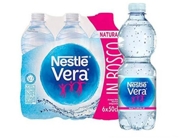 Bottigliette di Acqua Nestlé Vera Naturae richiamate dal mercato, possibile rischio batterico