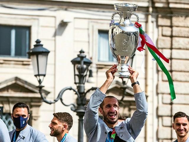 Italia campione d'Europa, Azzurri ricevuti al Quirinale dal presidente Mattarella. Poi in visita dal premier Draghi