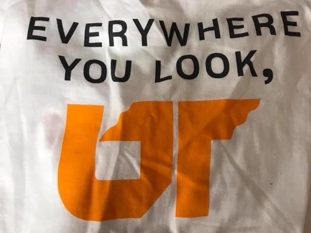Usa, il disegno fatto a mano del piccolo fan è il logo ufficiale dell'Università del Tennessee