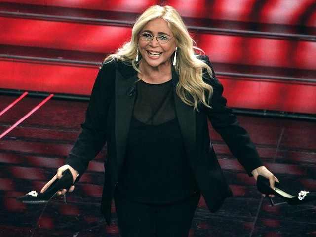 Mara Venier: «Fare Sanremo? Non ci penso proprio!»