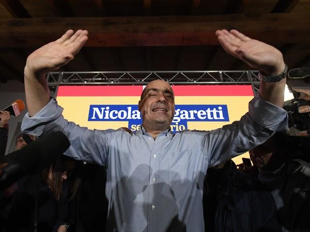 """Zingaretti finisce indagato. Il M5s attacca: """"Si dimetta"""""""