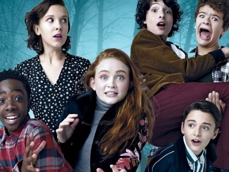 L'accordo Mediaset-Netflix sarà ufficiale l'8 ottobre: sul tavolo Stranger Things e sette film