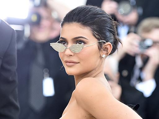 """Kylie Jenner ha battuto un record su TikTok grazie a """"Rise and Shine"""""""