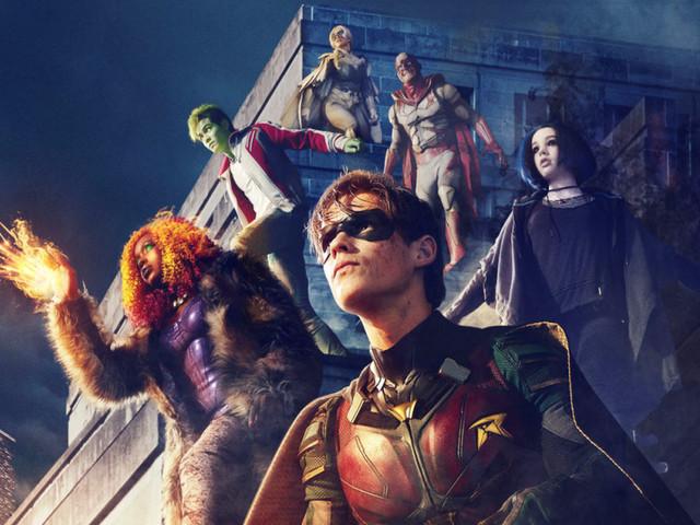 Titans: svelato il costume di Nightwing nella nuova foto dal set!
