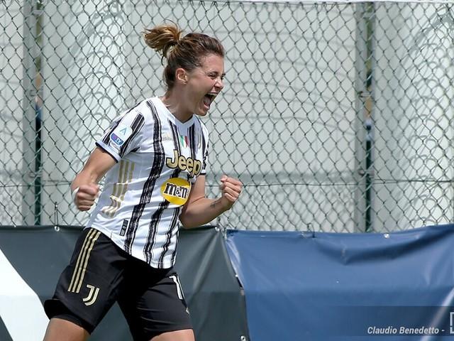 Calcio femminile, la Juventus vince il 4° scudetto consecutivo: le bianconere battono il Napoli 2-0