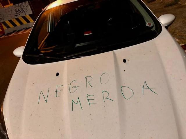 Roma, scritta razzista sull'auto di un medico della Croce Rossa