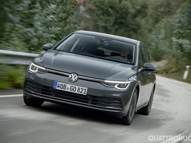 Volkswagen Golf 8 - Al volante dell'ottava generazione