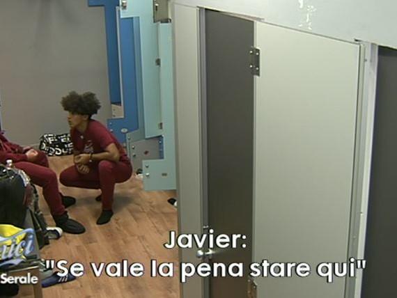 """Amici 2020, Javier in crisi: """"Chiedere scusa non è abbastanza"""". La ballerina Elena lo rassicura"""