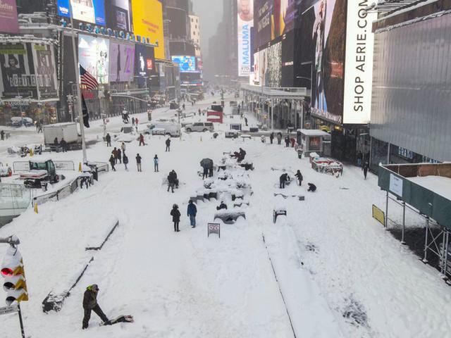 Ancora neve a New York e in Europa, Italia sferzata da bufere