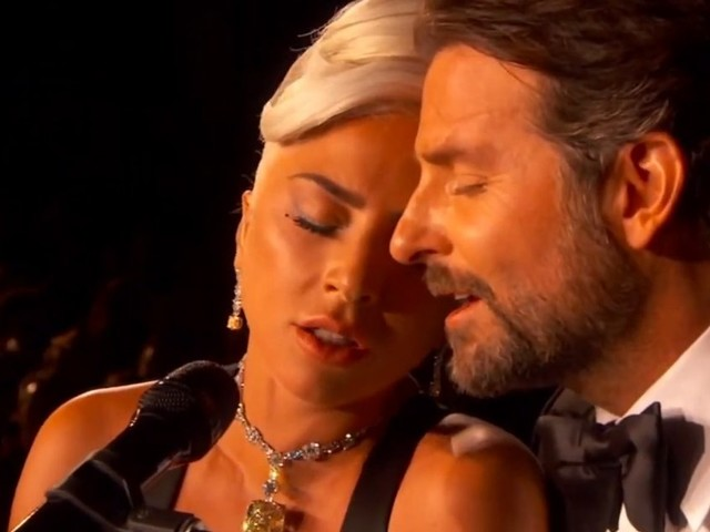 In tv c'è A Star is Born. Così è nato l'amore fra Bradley Cooper e Lady Gaga