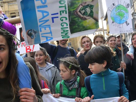 Alcune scuole italiane hanno dichiarato lo stato di emergenza climatica