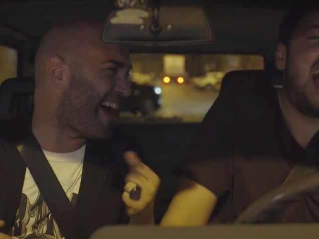The Jackal e Giuliano Sangiorgi cantano insieme in auto