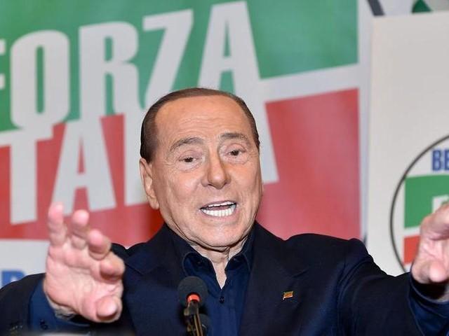 """Berlusconi, il 19 ottobre sarò in piazza contro il Governo: """"Lesivo del nostro diritto di libertà"""""""