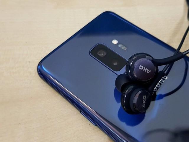 Correte a scaricare la patch di novembre per Samsung Galaxy S9 e S9 Plus: OTA in Italia