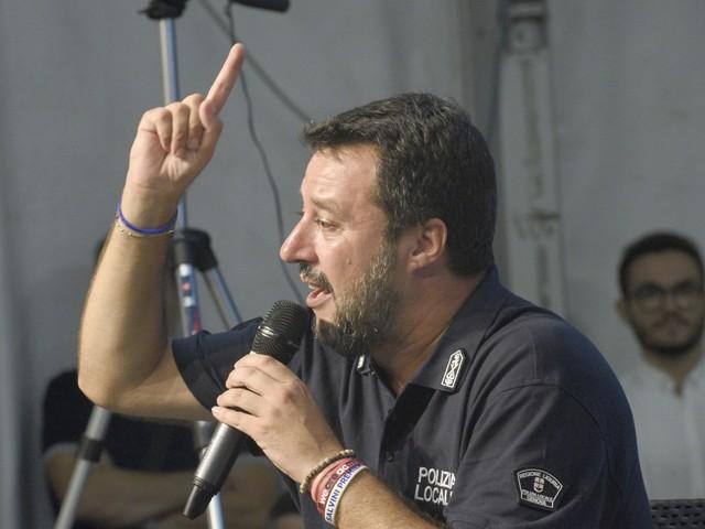 """Salvini: """"Bell'esordio sui migranti. Sarà un autunno di battaglia"""""""