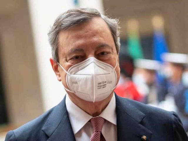 Draghi si vaccinerà con AstraZeneca: quando Ema darà il via il presidente del consiglio Draghi si vaccinerà secondo tempi e liste Regione Lazio