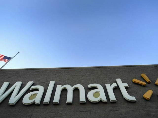 Tesla, i pannelli solari prendono fuoco e Walmart fa causa alla società di Palo Alto