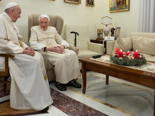 """Ratzinger: """"differenza sessi abolita violenta la natura""""/ """"Serve ecologia dell'uomo"""""""