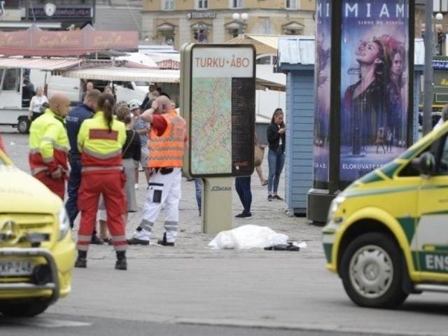 Attacco in Finlandia, accoltellate persone nel centro della città di Turku. Arrestato un uomo