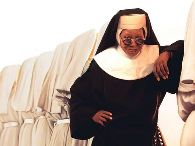 Programmi TV di stasera 12 agosto: Sister Act su Rai Uno, The Fix su Canale 5
