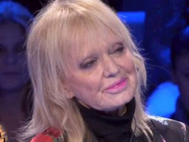"""Rita Pavone a Francesca Fialdini: """"Per colpa di Teddy Reno mio padre…"""""""