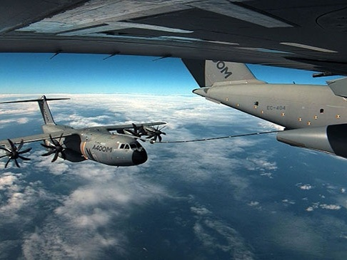Airbus completes A400M Cargo Hold Tanks refueling unit flight tests