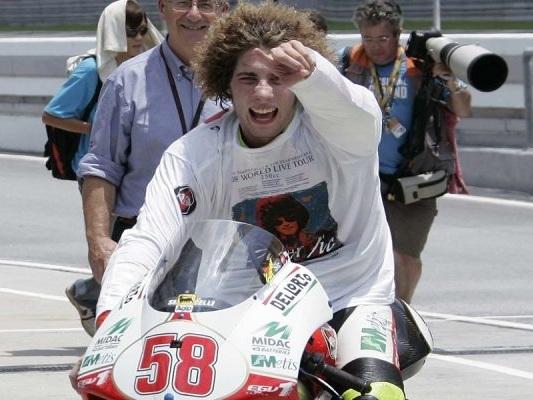MotoGP, nove anni fa la scomparsa di Marco Simoncelli: un pilota tutto coraggio e spontaneità