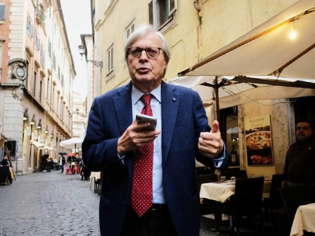 """Sgarbi: """"Al posto di Berlusconi avrei mandato i giudici al quel paese"""""""