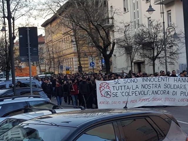 Manifestazione anarchici a Trento: nuove devastazioni ieri pomeriggio