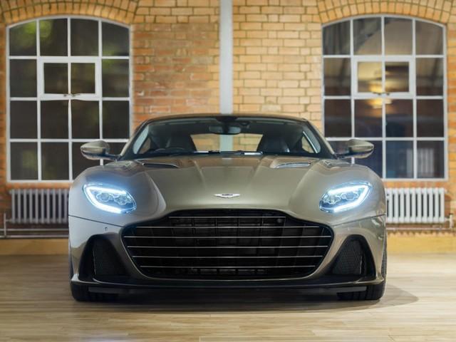 Aston Martin - Una DBS Superleggera dedicata a James Bond
