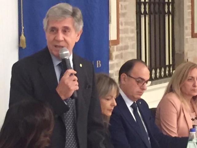 """L'Aido ospite d'onore alla conviviale del Rotary Club di Macerata: """"Donare gli organi salva la vita"""""""