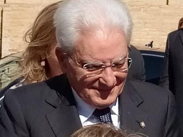 """""""Presidente!"""", Recanati saluta Sergio Mattarella (FOTO E VIDEO)"""