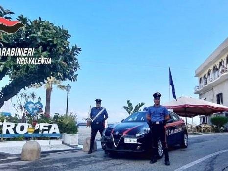 Riciclaggio di auto e furti in casa a Tropea, fermate due bande: 16 misure cautelari